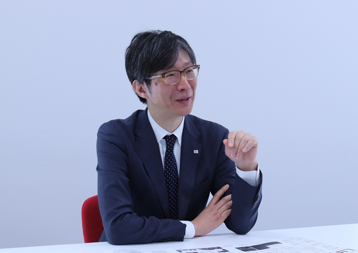Mr.shimada talking in the interview