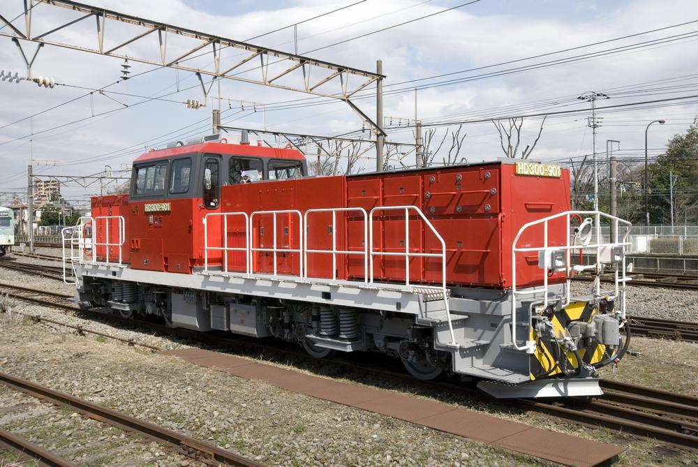 Type HD300 hybrid locomotive
