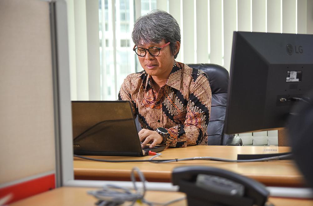 Nurman Hero at work