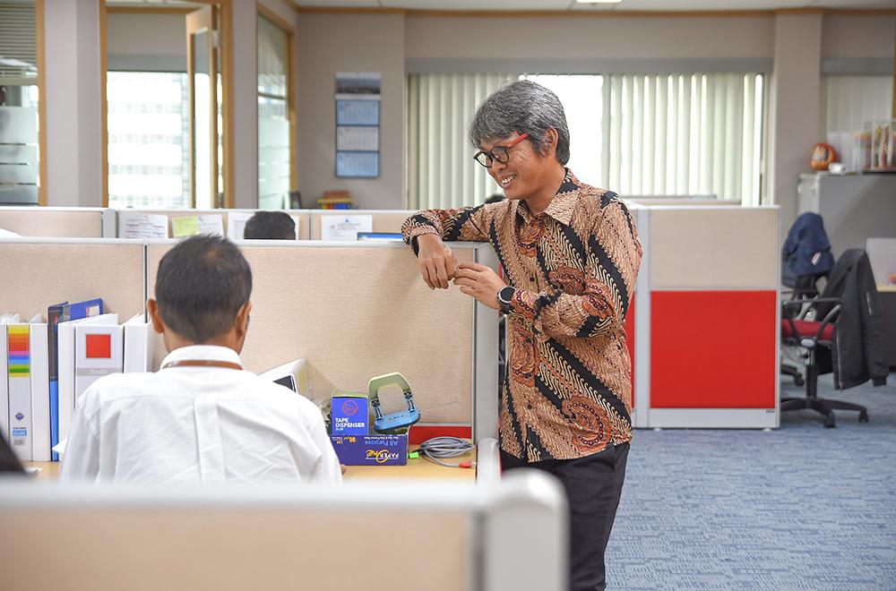 Nurman Hero at office