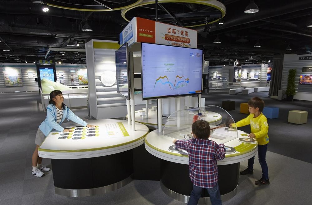 僕らの未来はここから始まる 歴史と科学と楽しく触れあえる「東芝未来科学館」