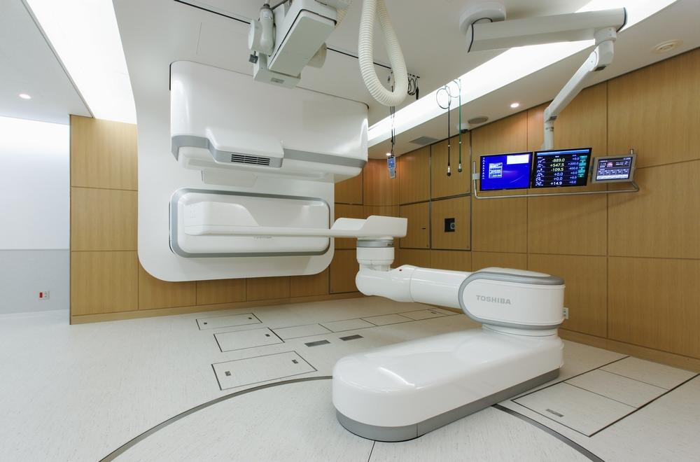最高水準のがん治療を 患者に優しい重粒子線治療の未来