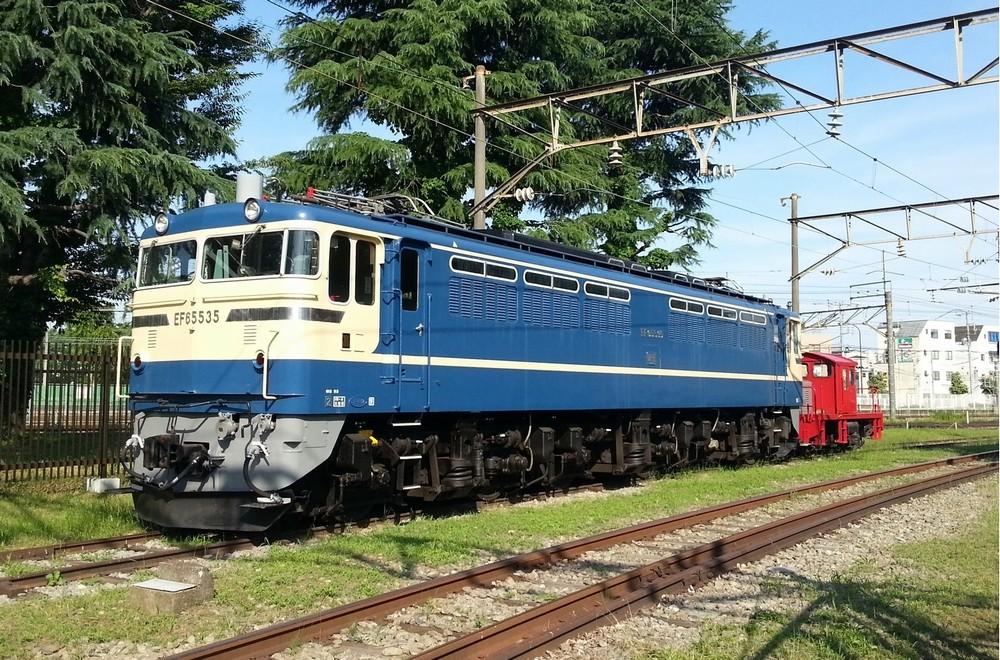 帰郷した名機関車は何を想う ブルートレインをけん引した「EF65 535」
