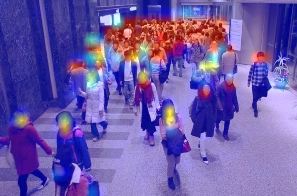 画像から瞬時に密集を計測 AIは人の目を超えた