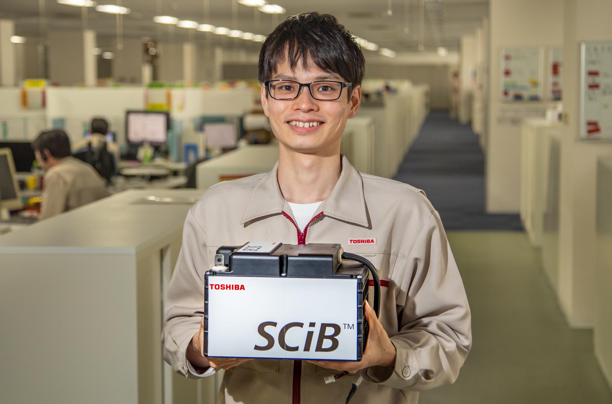 自動搬送ロボットなどに使用されるリチウムイオン電池パック(SCiB™)