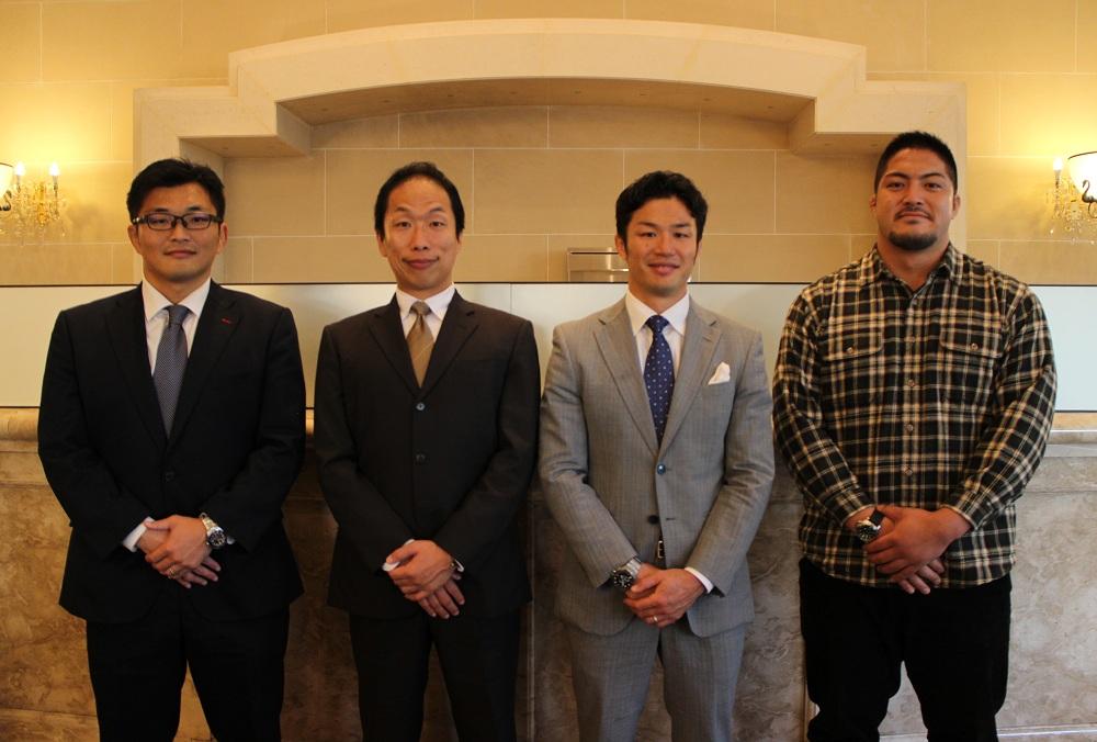 左から猪口拓氏、大内一成氏、廣瀬俊朗氏、知念雄選手