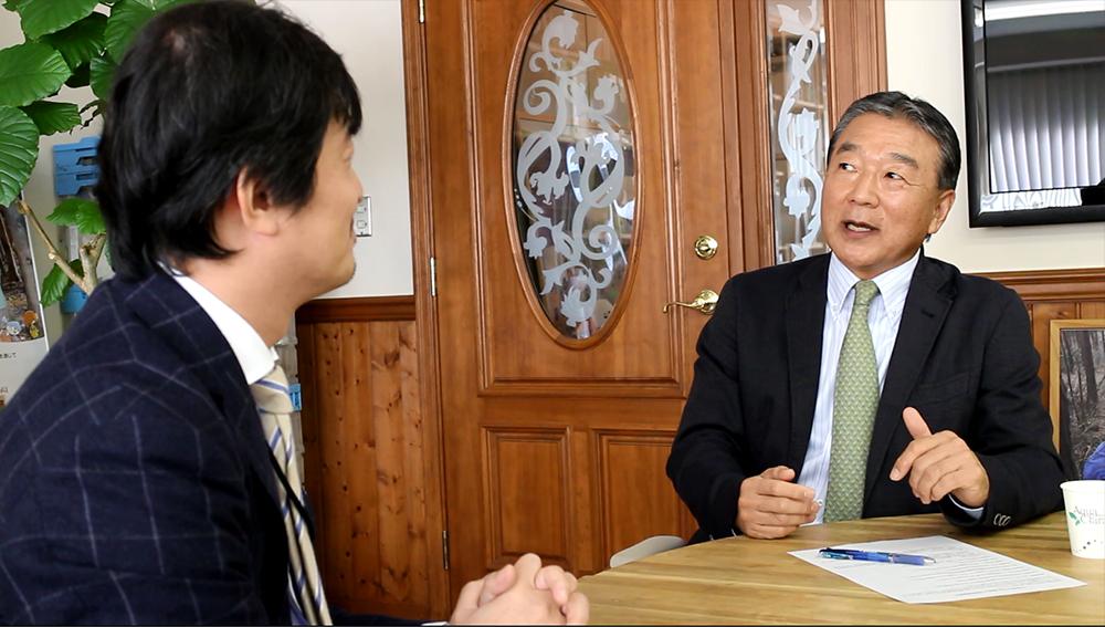 半谷栄寿氏(右) 東芝 新井本武士氏(左)