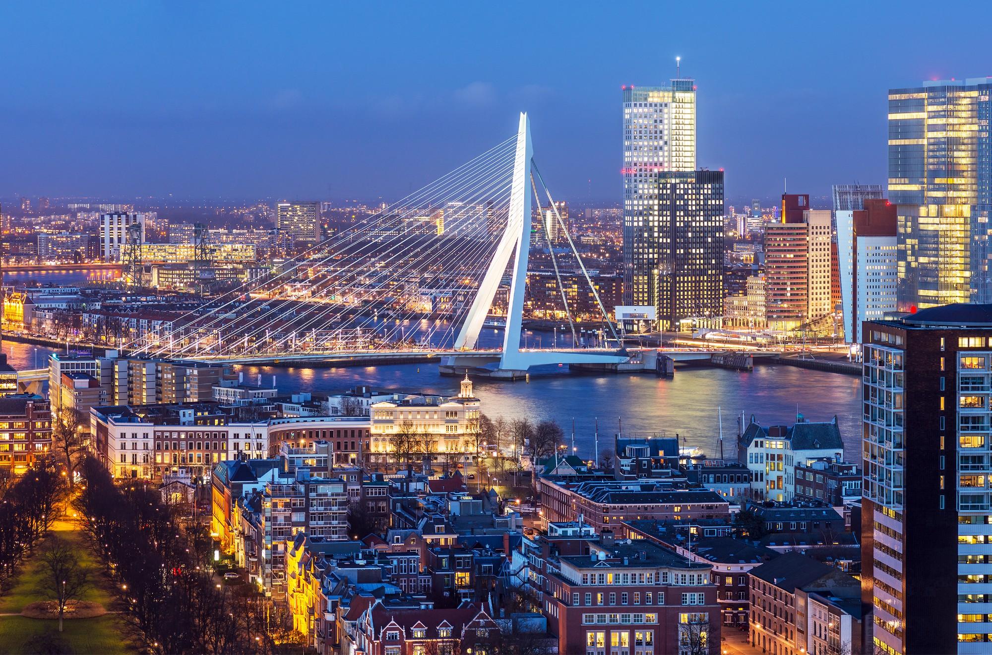 ヨーロッパ初の大規模水素ハブを目指すロッテルダム港